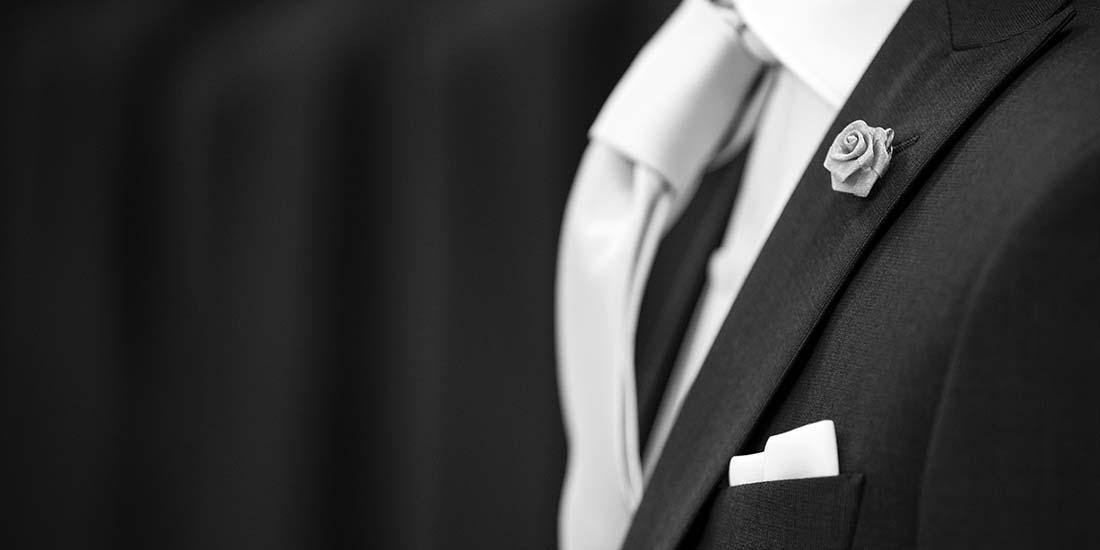 dettagli abito da sposo